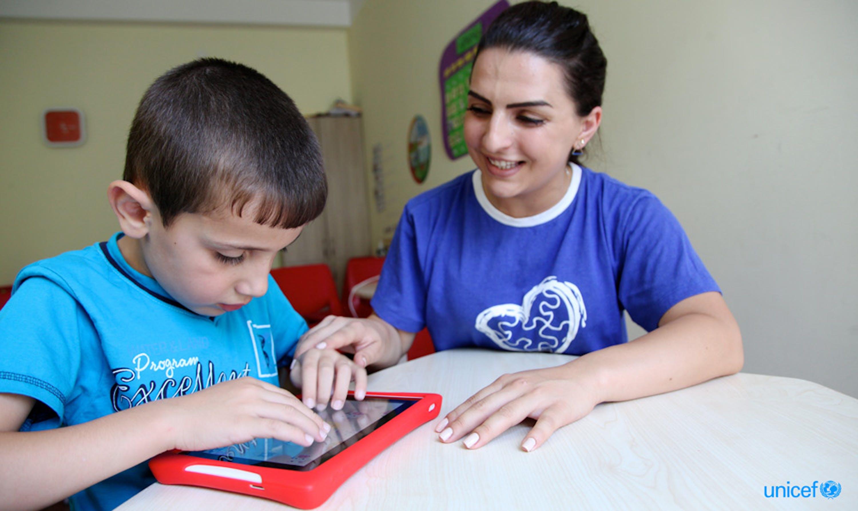 © UNICEF/UN0284477/PIROZZI