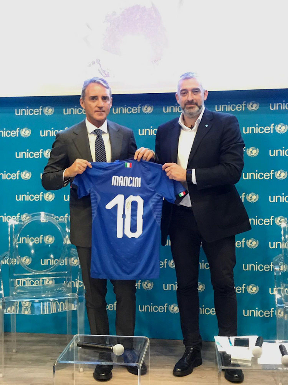Il CT della Nazionale italiana di calcio Roberto Mancini e Paolo Rozera, direttore UNICEF Italia  - ©UNICEF Italia/2019/M. Lamalfa