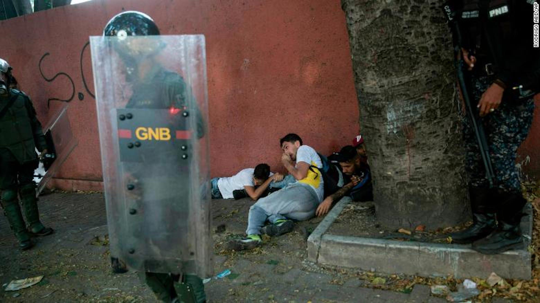 Un'immagine degli scontri di piazza in Venezuela - ©Rodrigo Red/AP