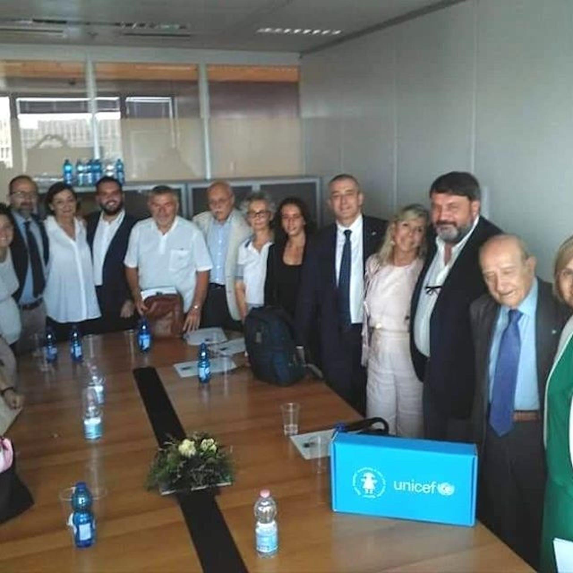 Da sin: il Garante infanzia della Lombardia Massimo Pagani, il Presidente dell'UNICEF Italia Francesco Samengo e la consigliera nazionale dell'UNICEF Italia Anna Miccoli