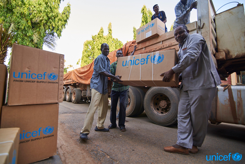 © UNICEF/UN0320099/