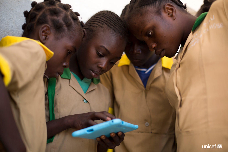 © UNICEF/UN0143487/Prinsloo