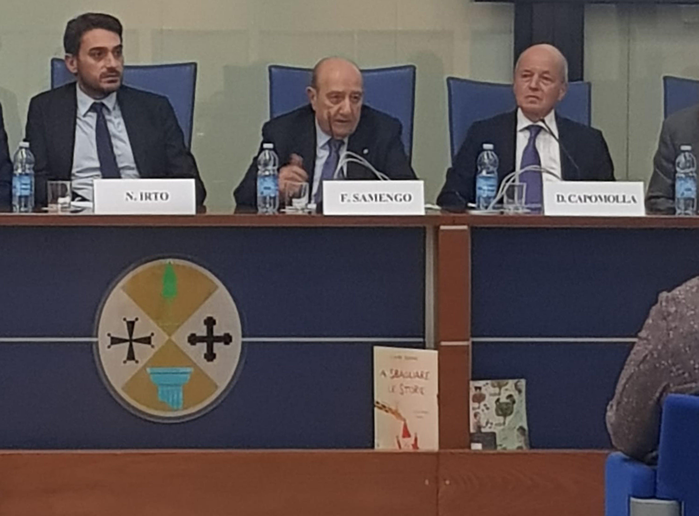 Da sin.: Nicola Irto (presidente Cons. Reg. Calabria), Francesco Samengo (presidente UNICEF Italia), Domenico Capamolla (Ass. culturale Pediatri) - ©UNICEF Italia/2019/A.Tavella