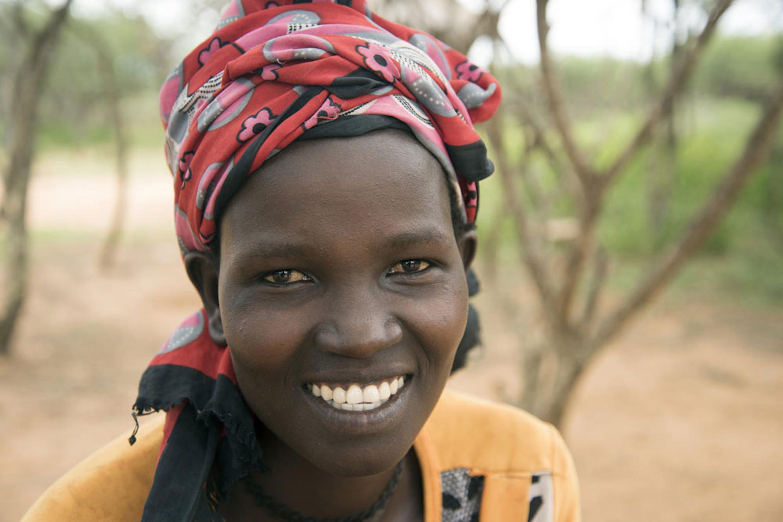 Dorcus Chepukugho è una delle attiviste che partecipa al programma UNICEF-UNFPA per eliminare le mutilazioni genitali femminili in Uganda - ©UNICEF/UN0312337/Bongyereirwe