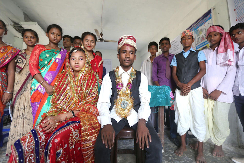 Un'attività di sensibilizzazione sul tema dei matrimoni precoci in Nepal, organizzata da UNICEF e UNFPA. Scene identiche ma reali si celebrano ogni giorno nel paese asiatico - ©UNICEF/UN0302727/Panday