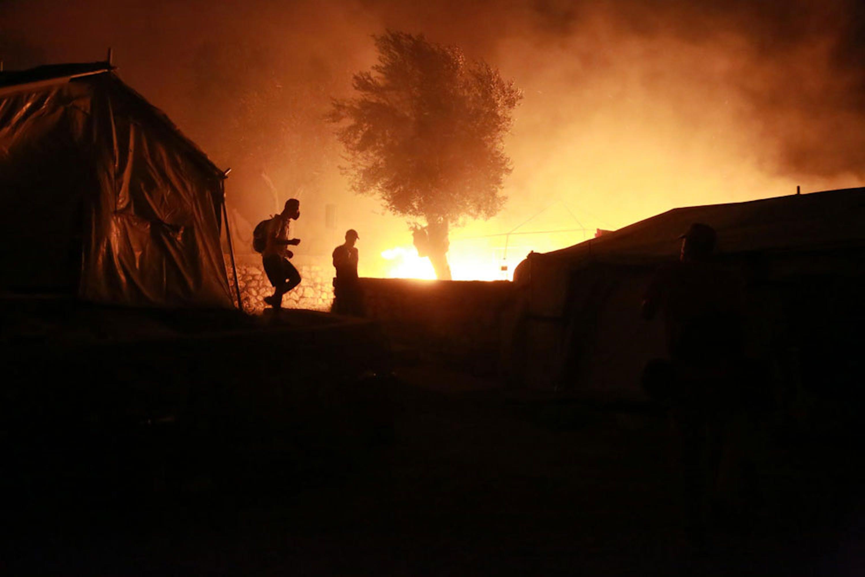 L'incendio che ha devastato il campo profughi di Moria nell'isola di Lesbo (Grecia) - ©UNICEF/UNI367861/Lagoutaris/AFP
