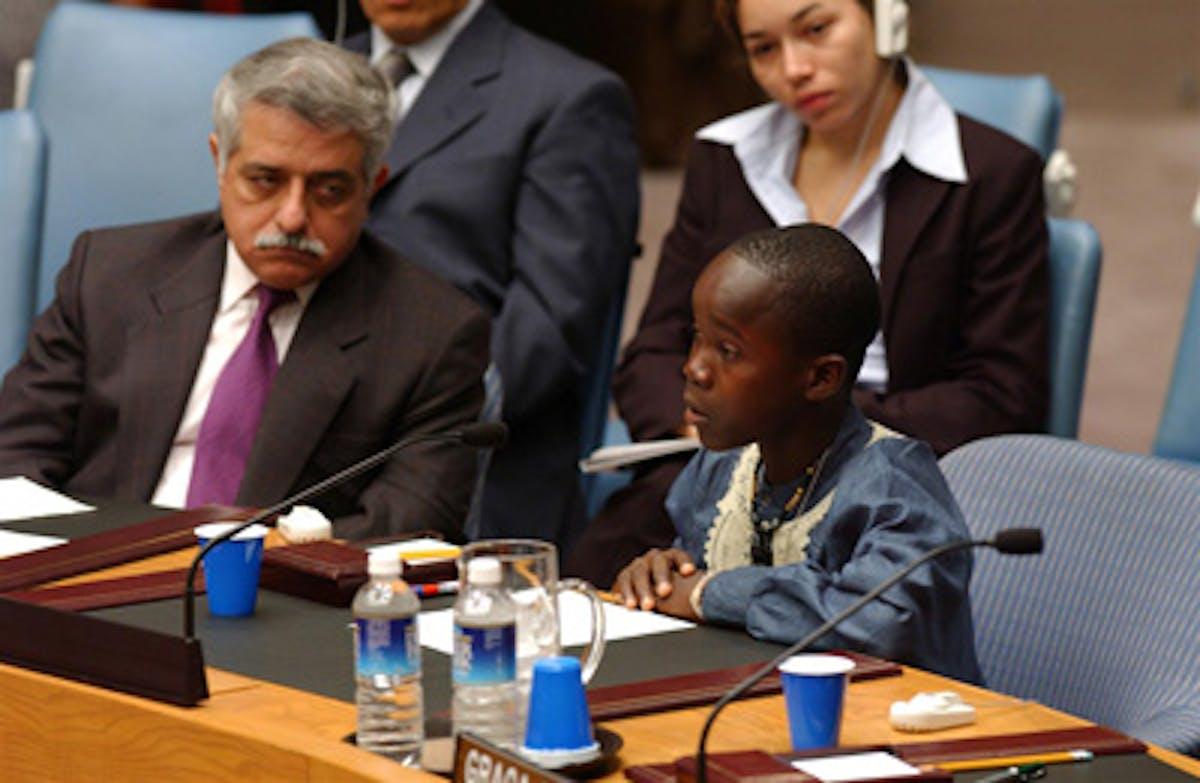 Wlmot, 16 anni, delegato della Liberia, ha portato al Consiglio di Sicurezza la sua testimonianza sull'impatto della guerra sui bambini - ©UNICEF/HQ02-0105/S.Markisz