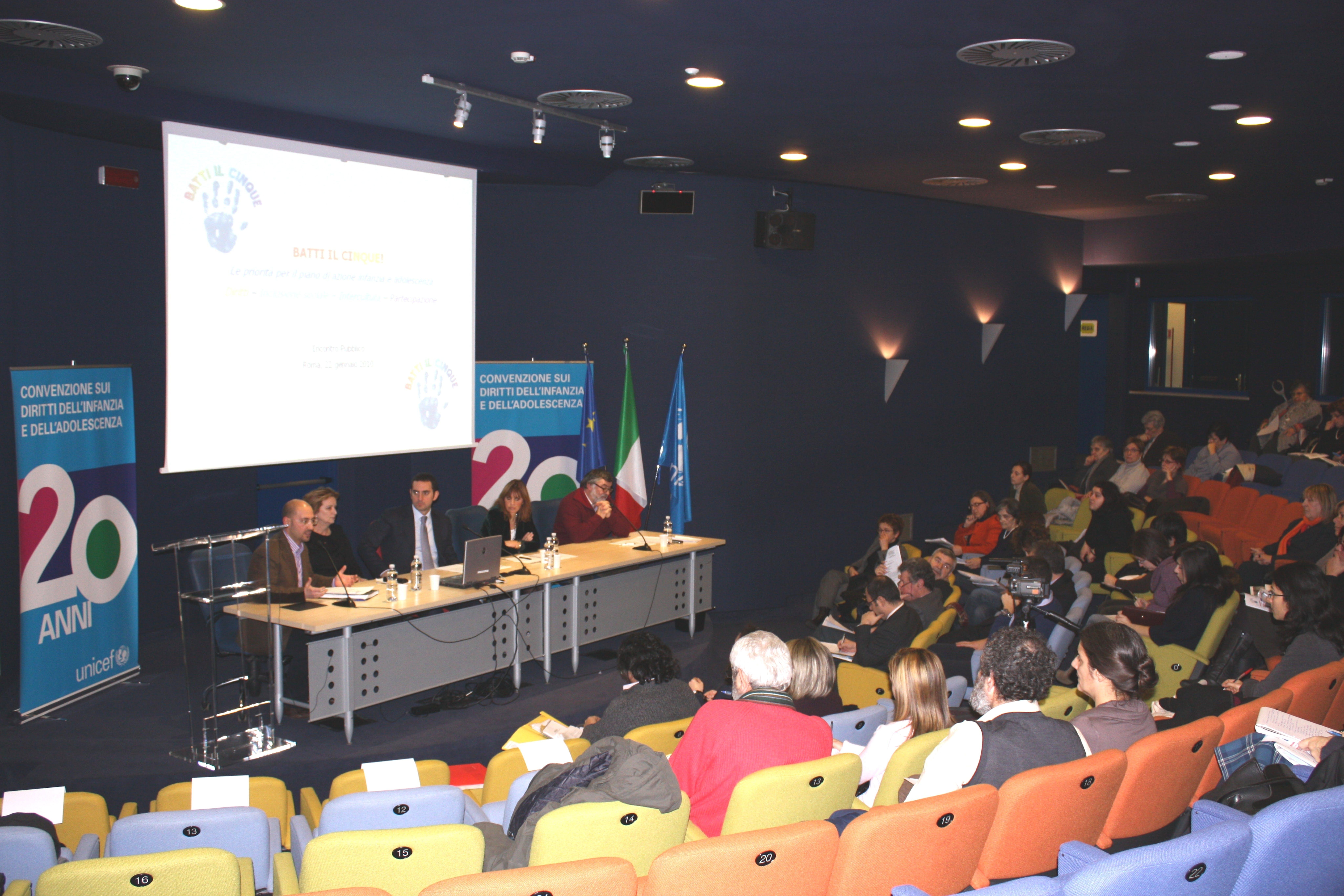 Un momento dell'assemblea delle associazioni promotrici del documento Batti il cinque, che si sono riunite il 22 gennaio a Roma ©UNICEF Italia/2010