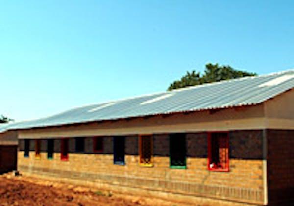 Le nuove aule della scuola primaria Thembe ricostruite dal programma Scuole per l'Africa