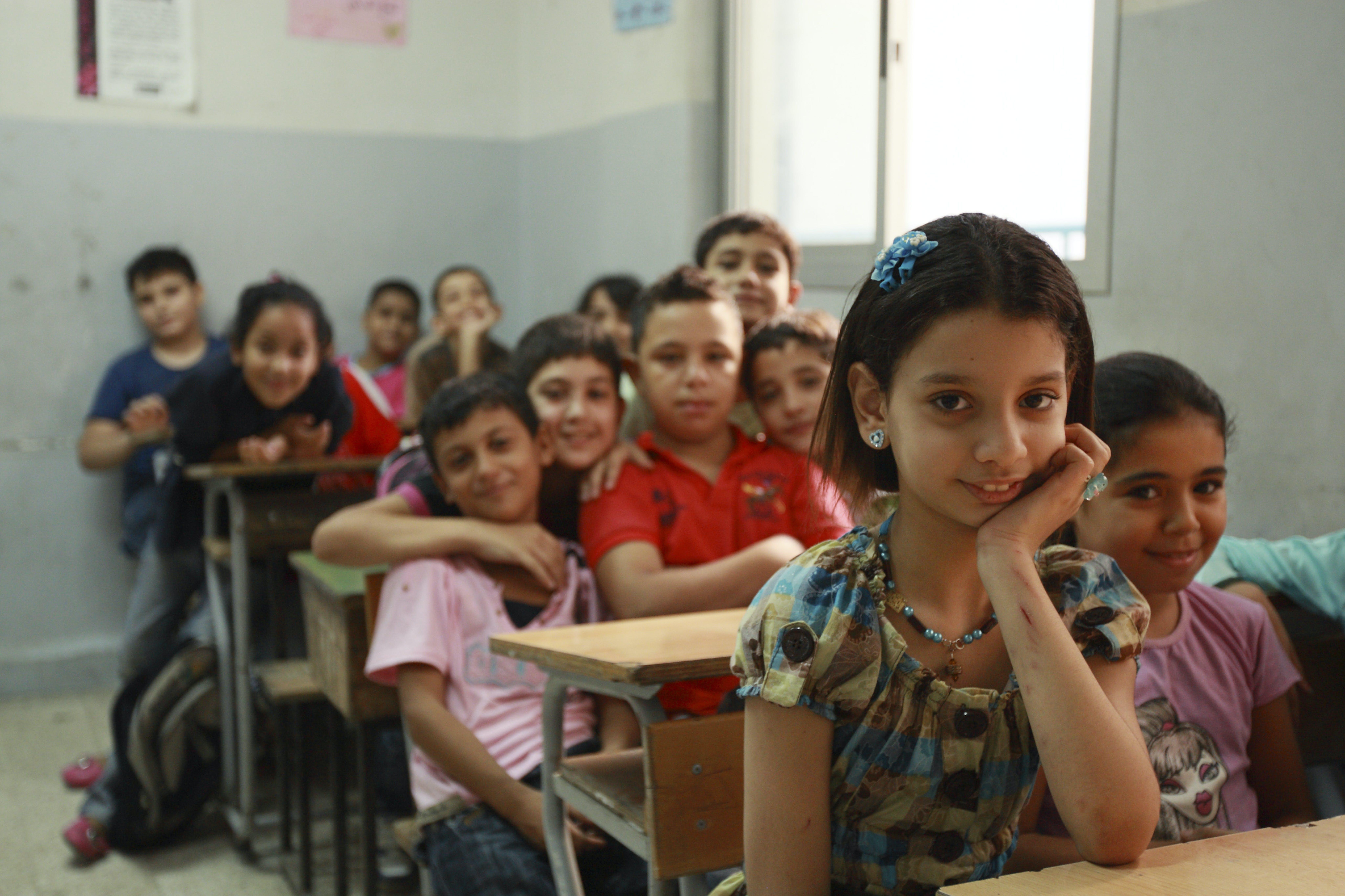 Bambini in classe nel campo profughi palestinesi di Burj El Barajneh (Libano) - ©Ada Lombardi/UNICEF Italia/2010