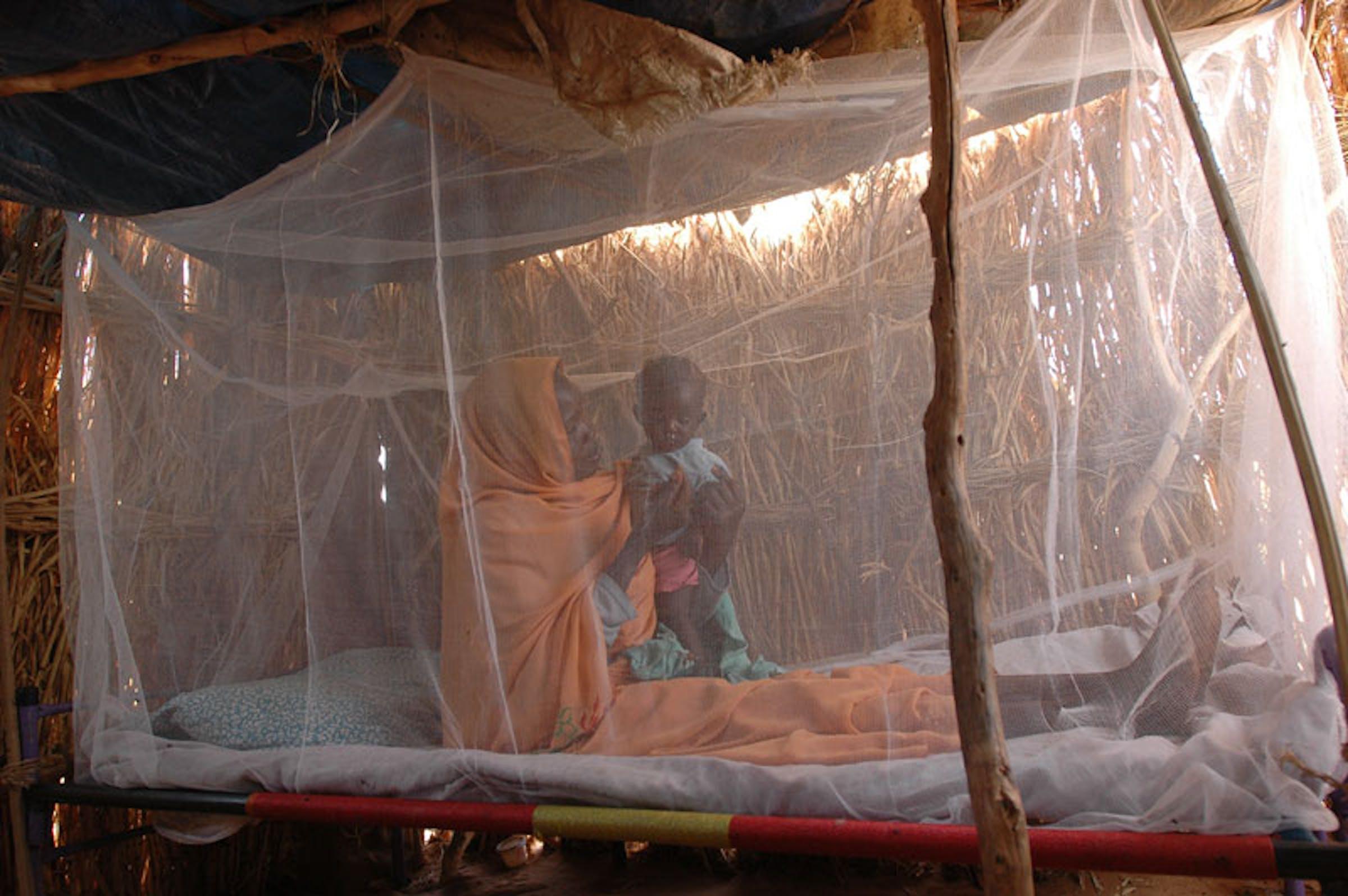 Madre e figlio sotto una zanzariera a Giuba (Sud Sudan) - ©UNICEF South Sudan