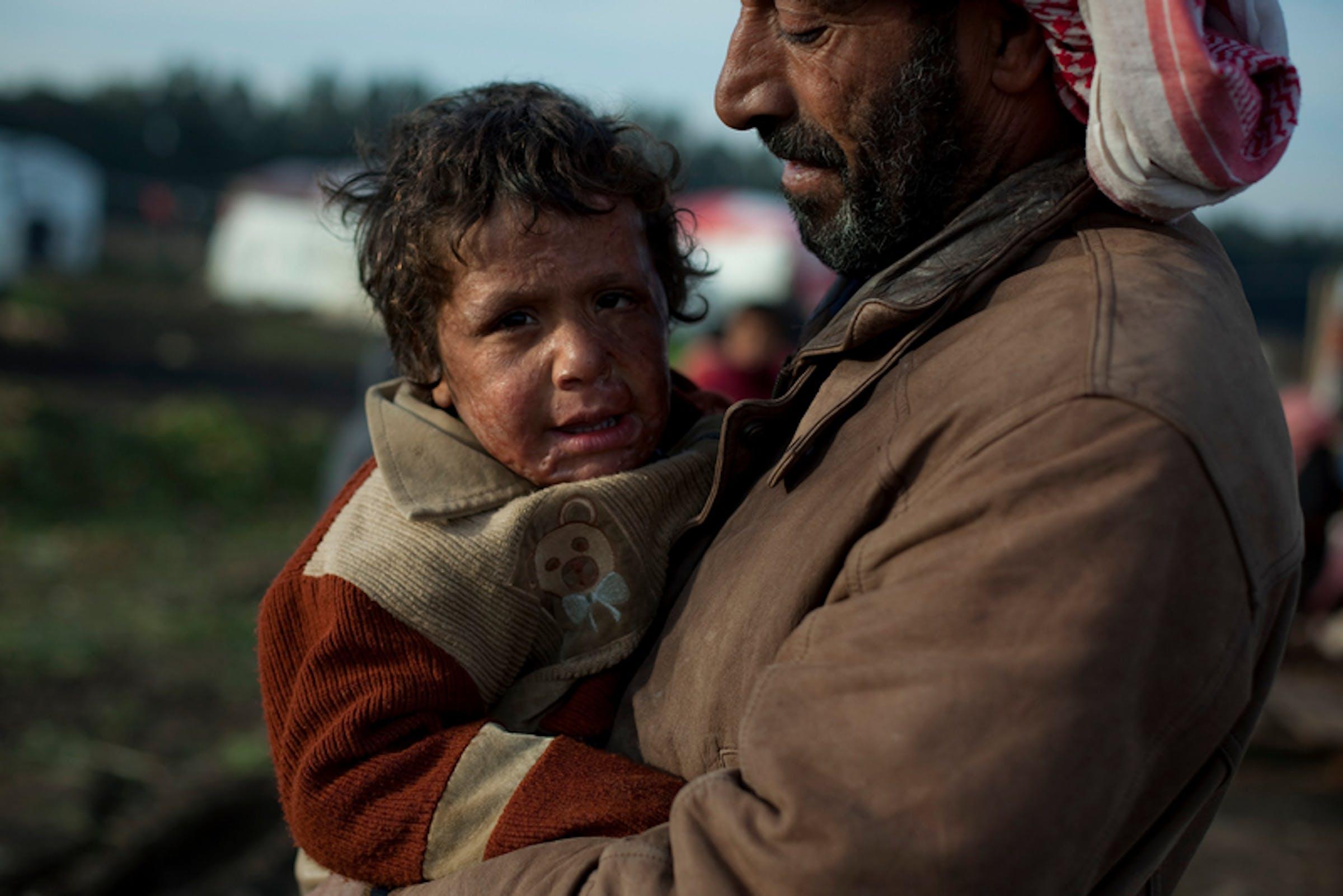 Adnan, 5 anni, è uno degli oltre 500.000 bambini siriani rifugiatisi precipitosamente nei paesi confinanti. La foto è stata scattata alcune settimane fa in un campo profughi del Libano - ©UNICEF/NYHQ2013-0043/I.Ramoneda
