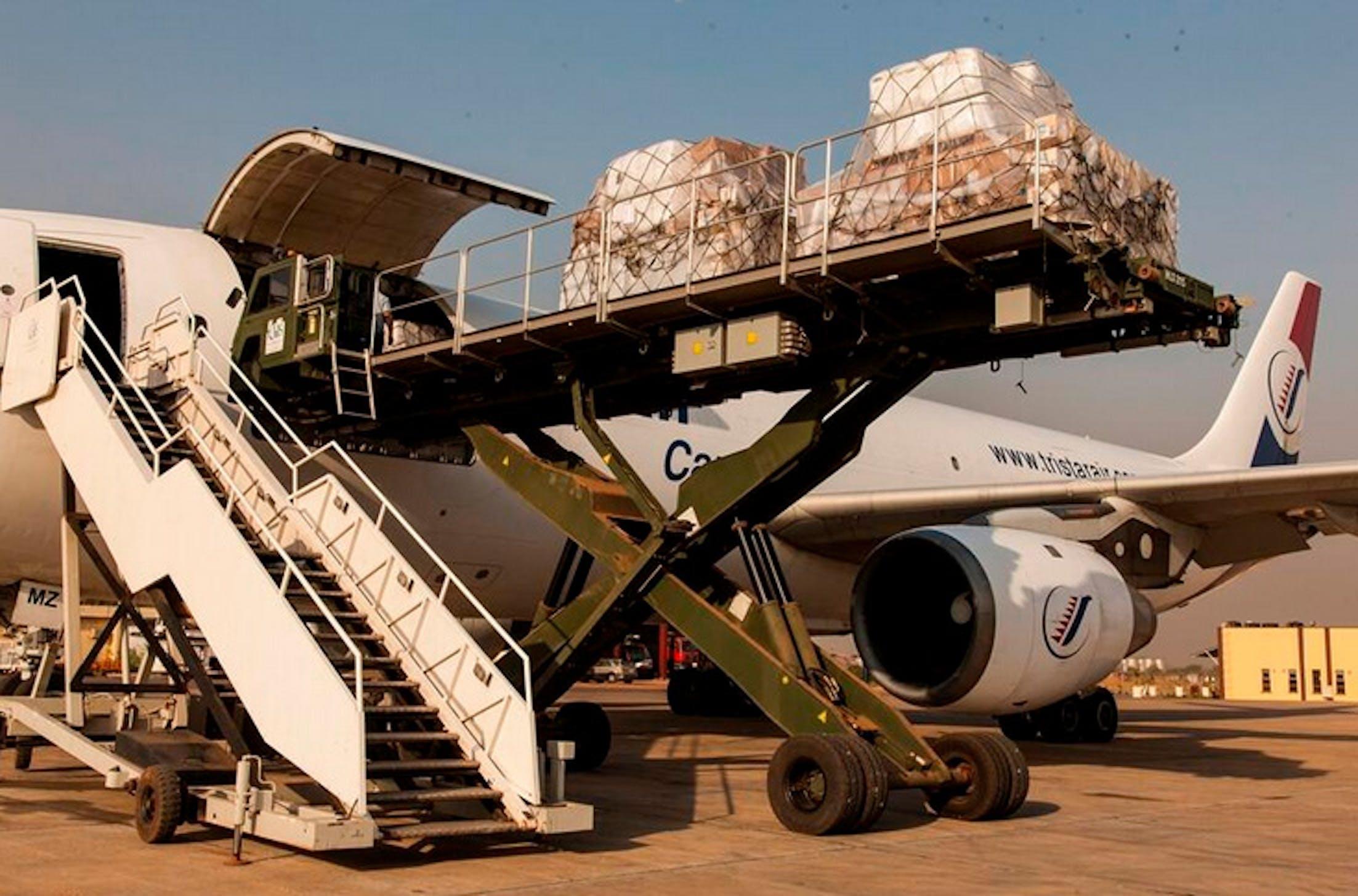 Il cargo umanitario dell'UNICEF atterrato ieri a Juba (Sud Sudan) - ©UNICEF South Sudan/2014