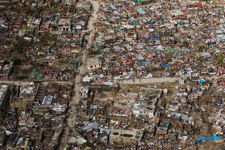 © UNICEF/UN034980/Abassi, UN-MINUSTAH