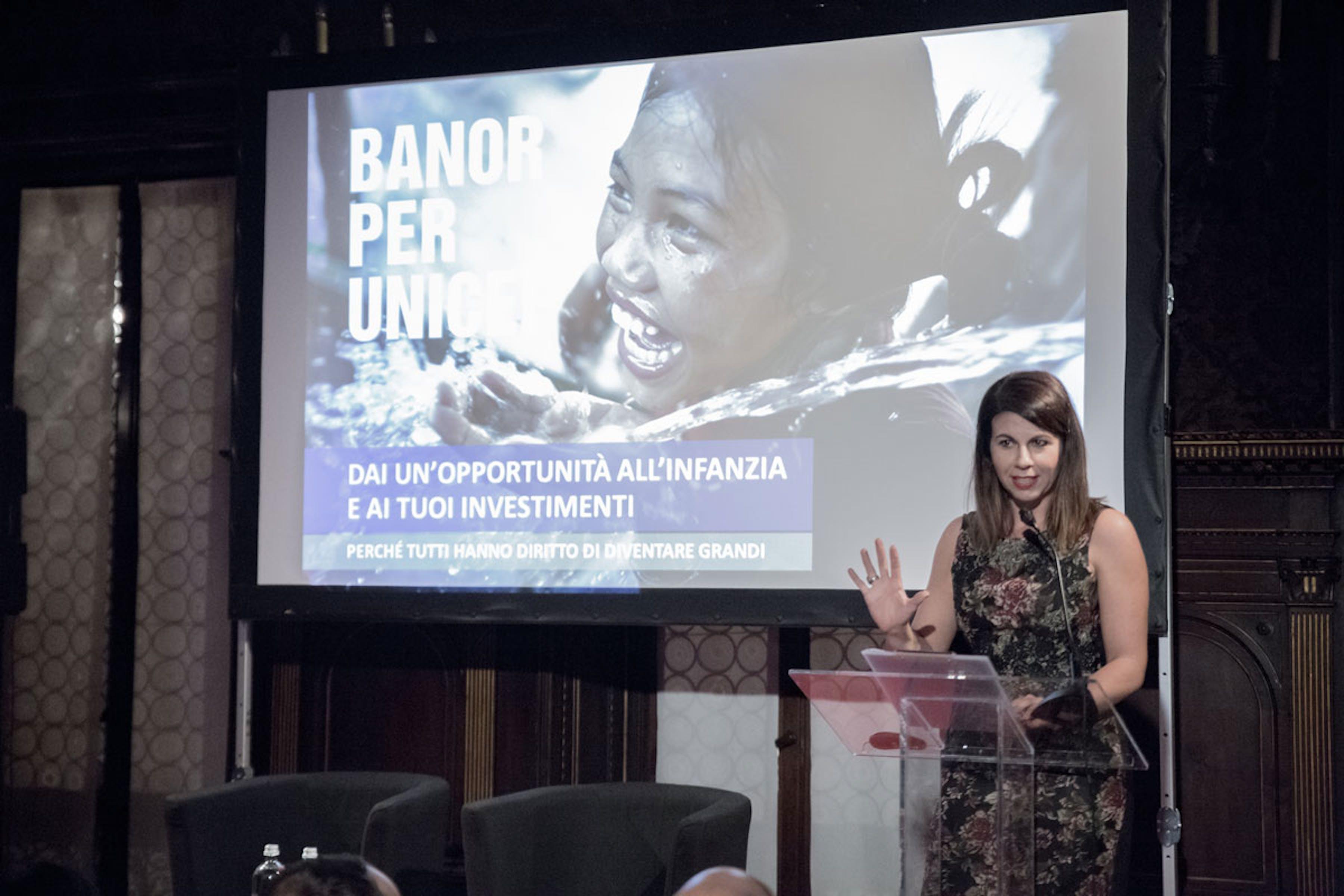 Geppi Cucciari, testimonial della cerimonia di presentazione del fondo Banor per l'UNICEF a Milano