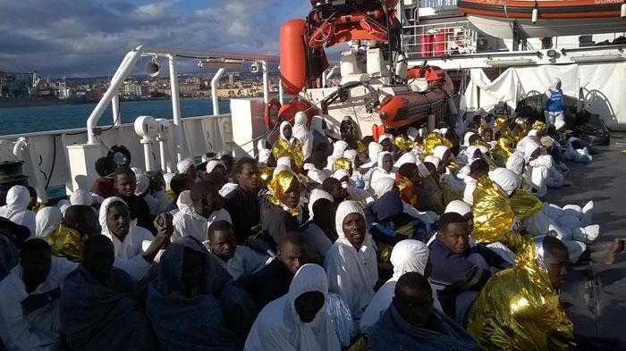 La nave Gregoretti della Guardia Costiera: in vista il porto di Catania - ©UNICEF Italia/2017/Enrico Noviello