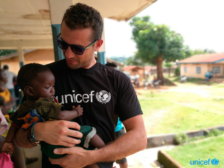 Tommaso Chiabra, autore di questo diario di viaggio, in un centro comunitario per l'infanzia coordinato dall'UNICEF - ©UNICEF Italia/2018/E. Della Croce