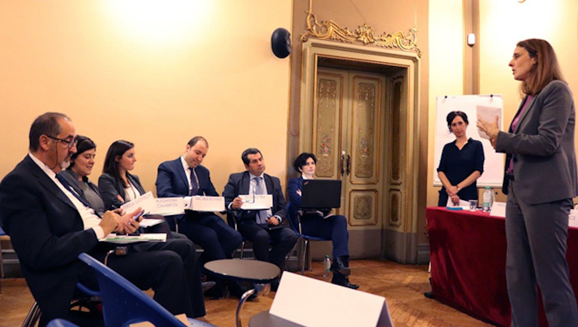 Arianna De Leo, responsabile della Filantropia strategica all'UNICEF Italia, con gli esperti del meeting di Milano - ©ALTIS