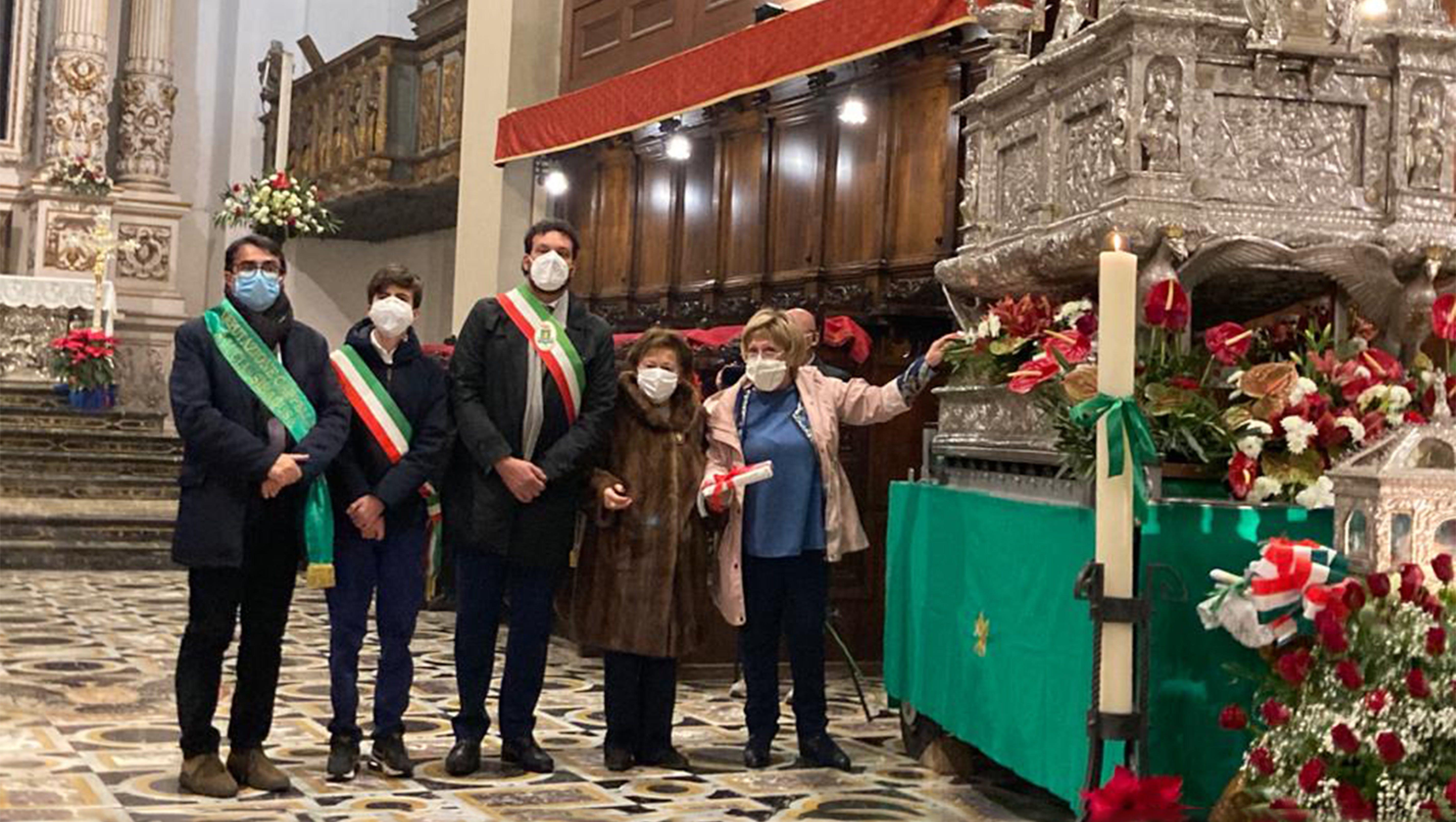 Il nostro Presidente dell'UNICEF Carmela Pace con il sindaco Francesco Italia nella cattedrale di Siracusairalongo, Francesco Italia, Carmela Pace, Pina Cannizzo@2x