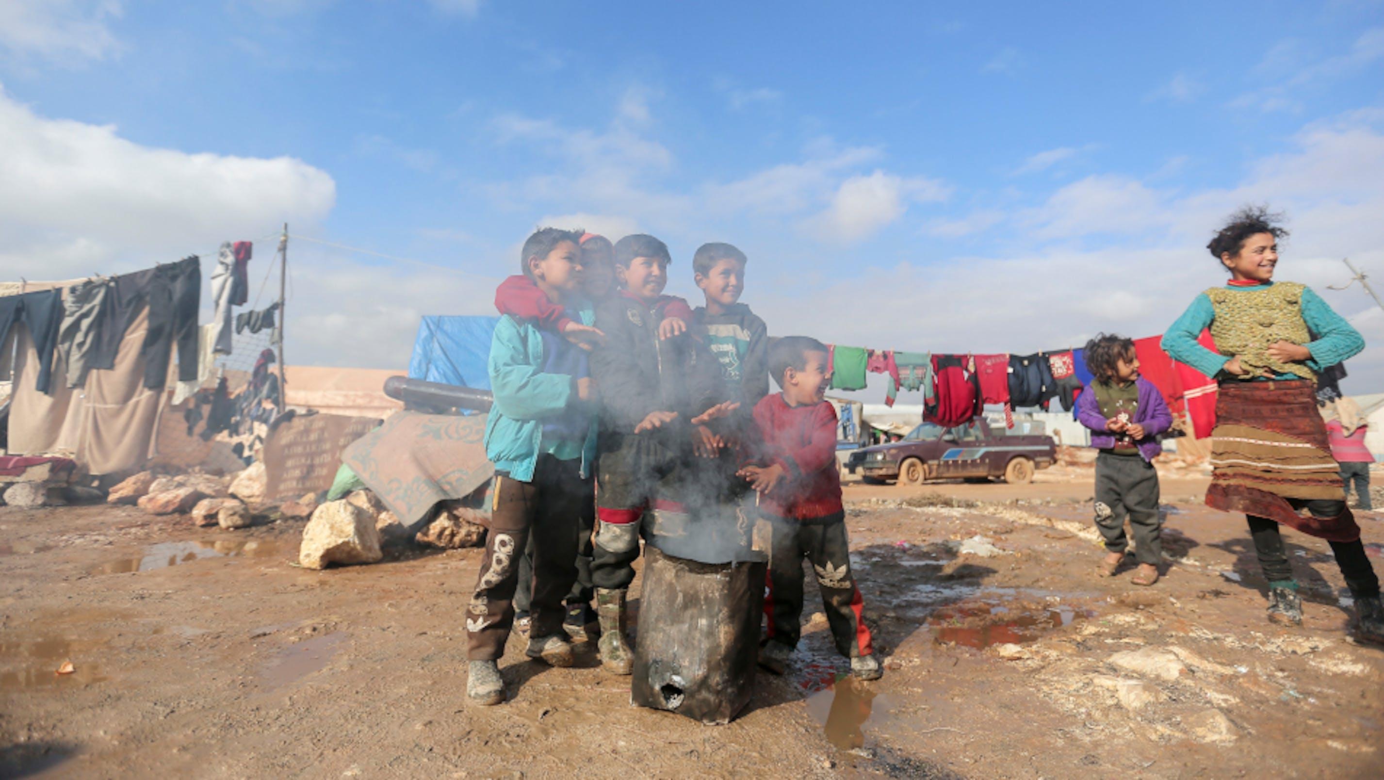 bambini siriani campo Idlib Kafr