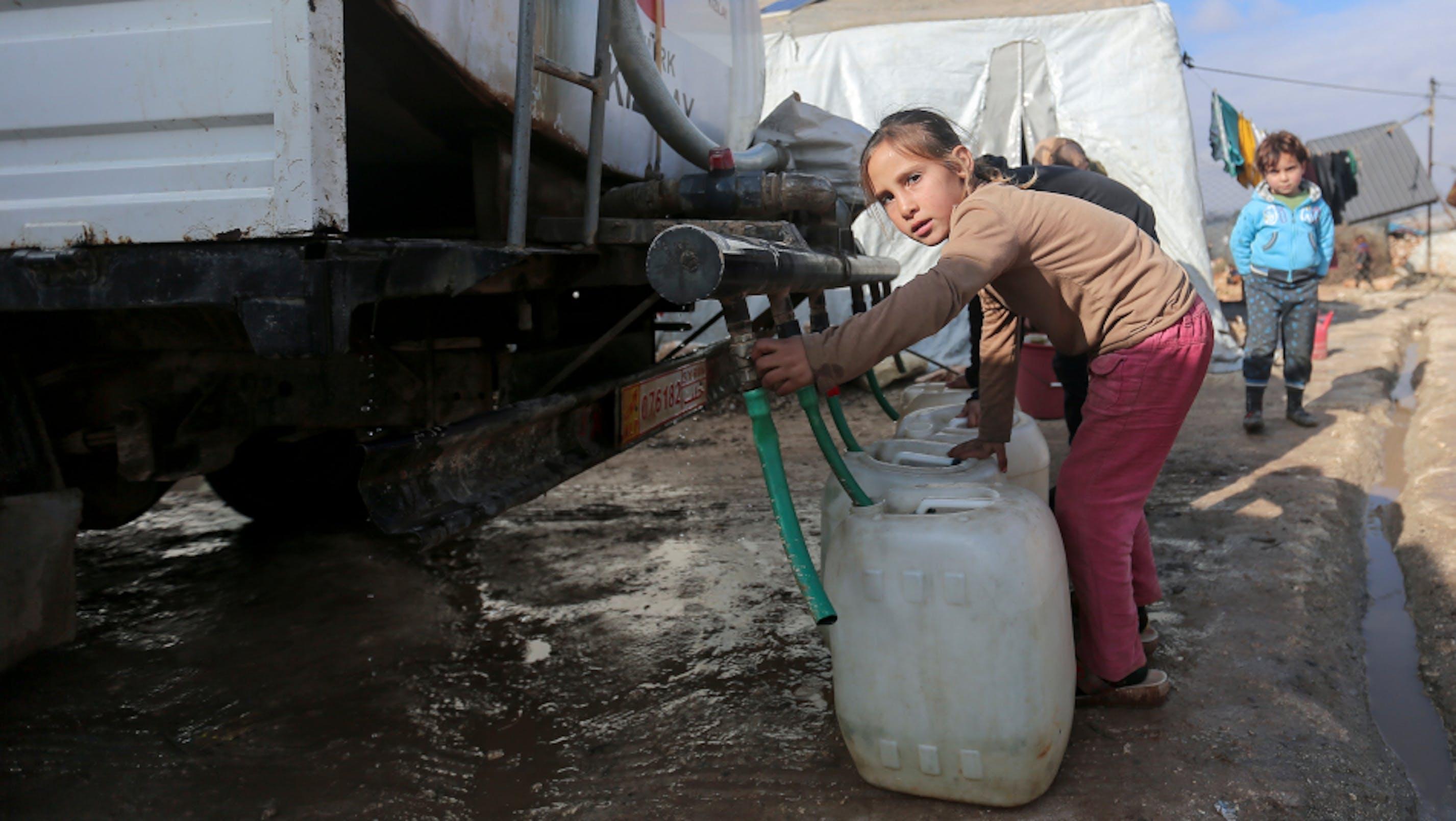 rifugiata-siriana-tanica acqua