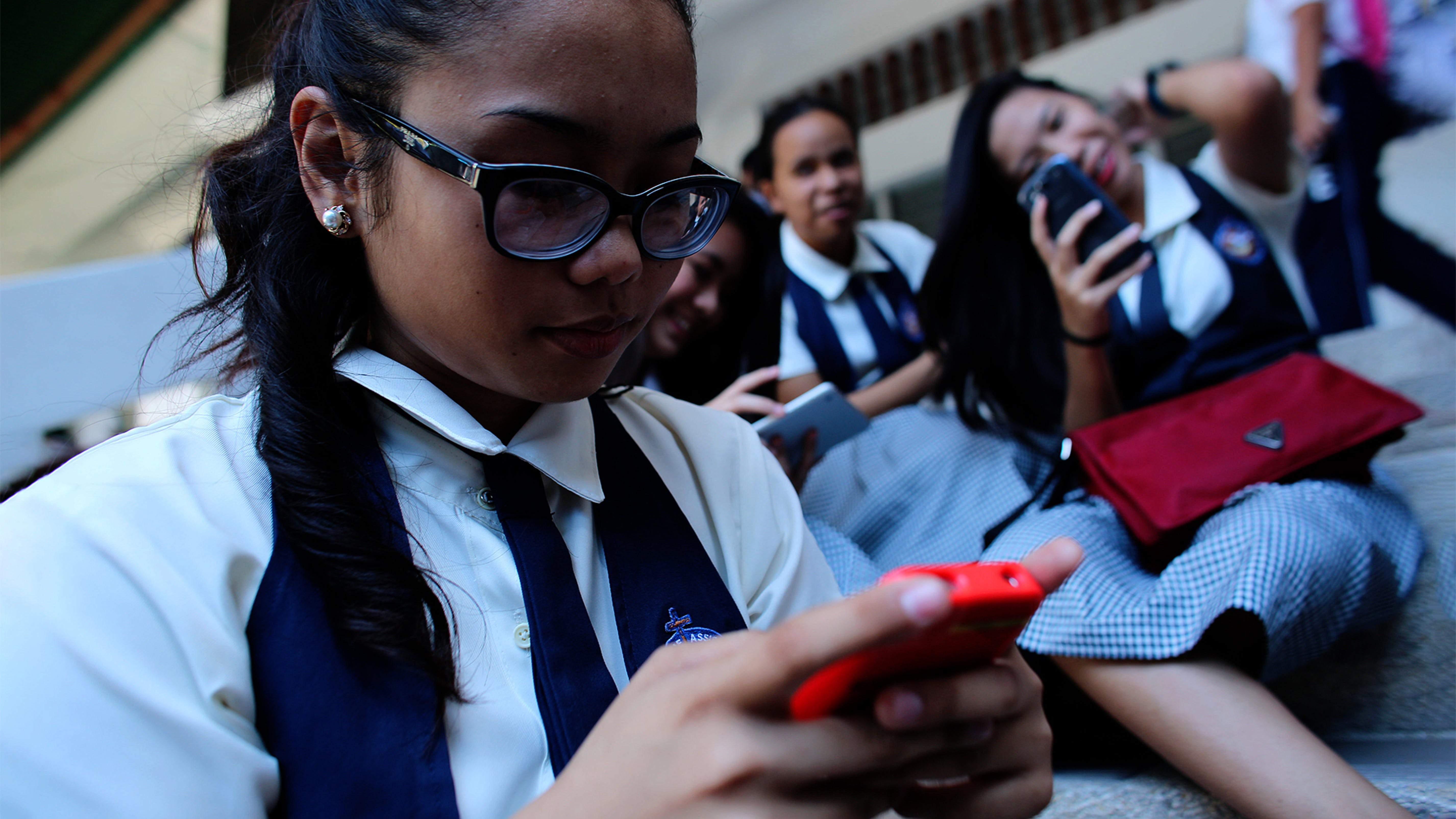 studentessa, smarthphone