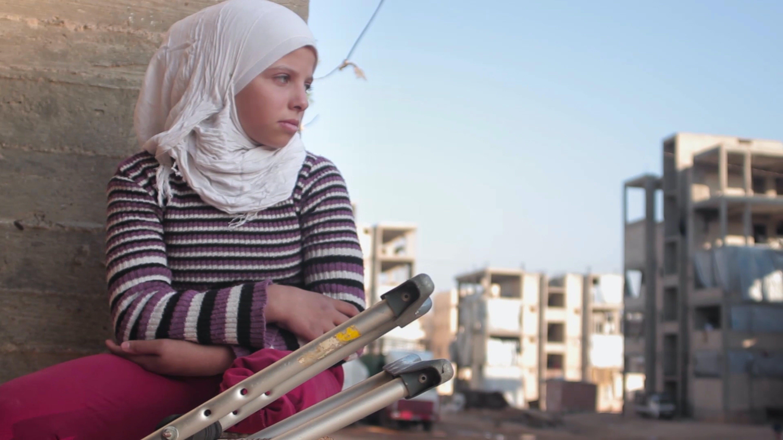 Saja a 12 anni ha perso una gamba a causa di un bombardamento