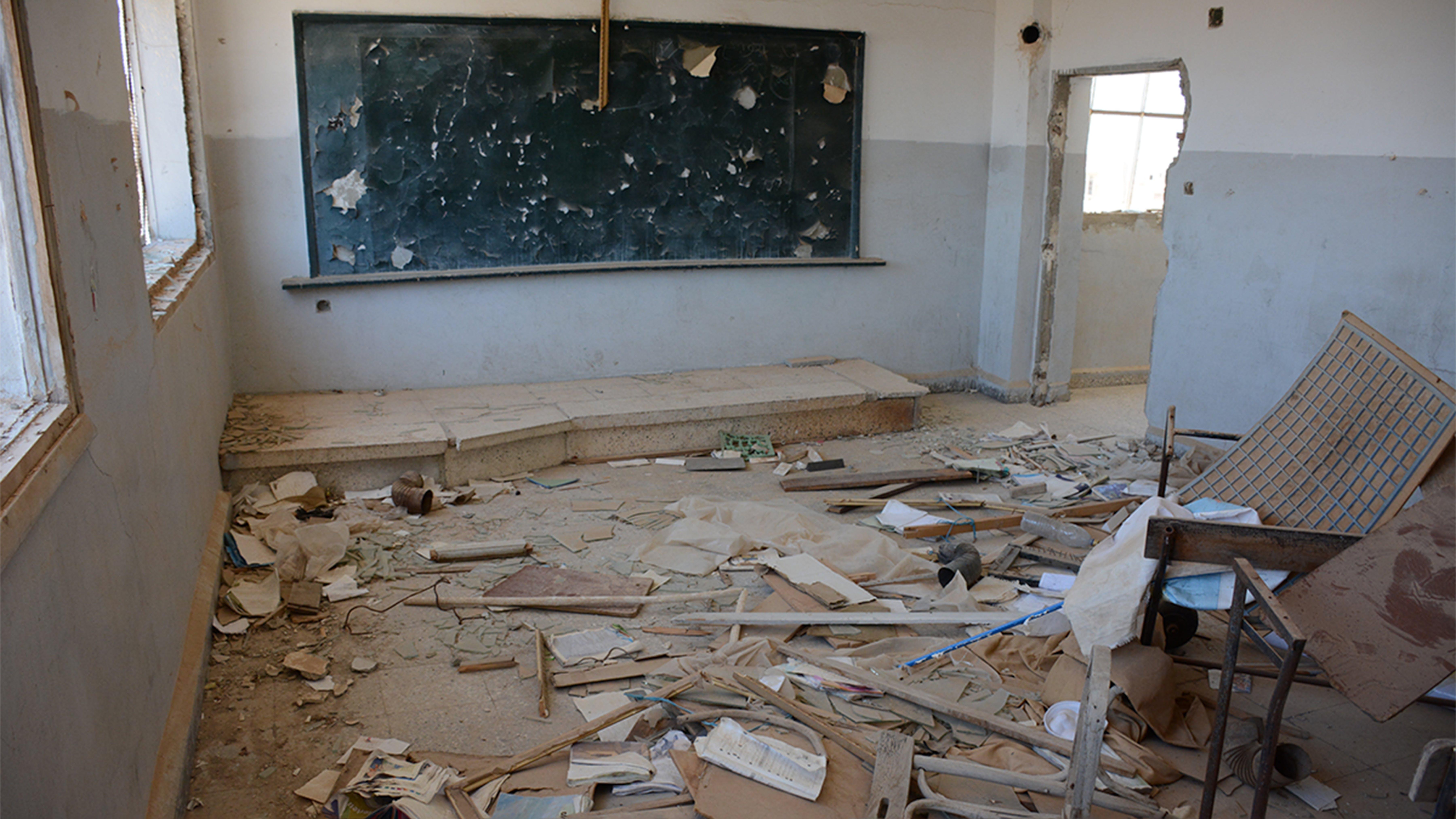 PRIMA: aula distrutta dalla guerra nella scuola Reyad Hamoud, a Maheen, Homs