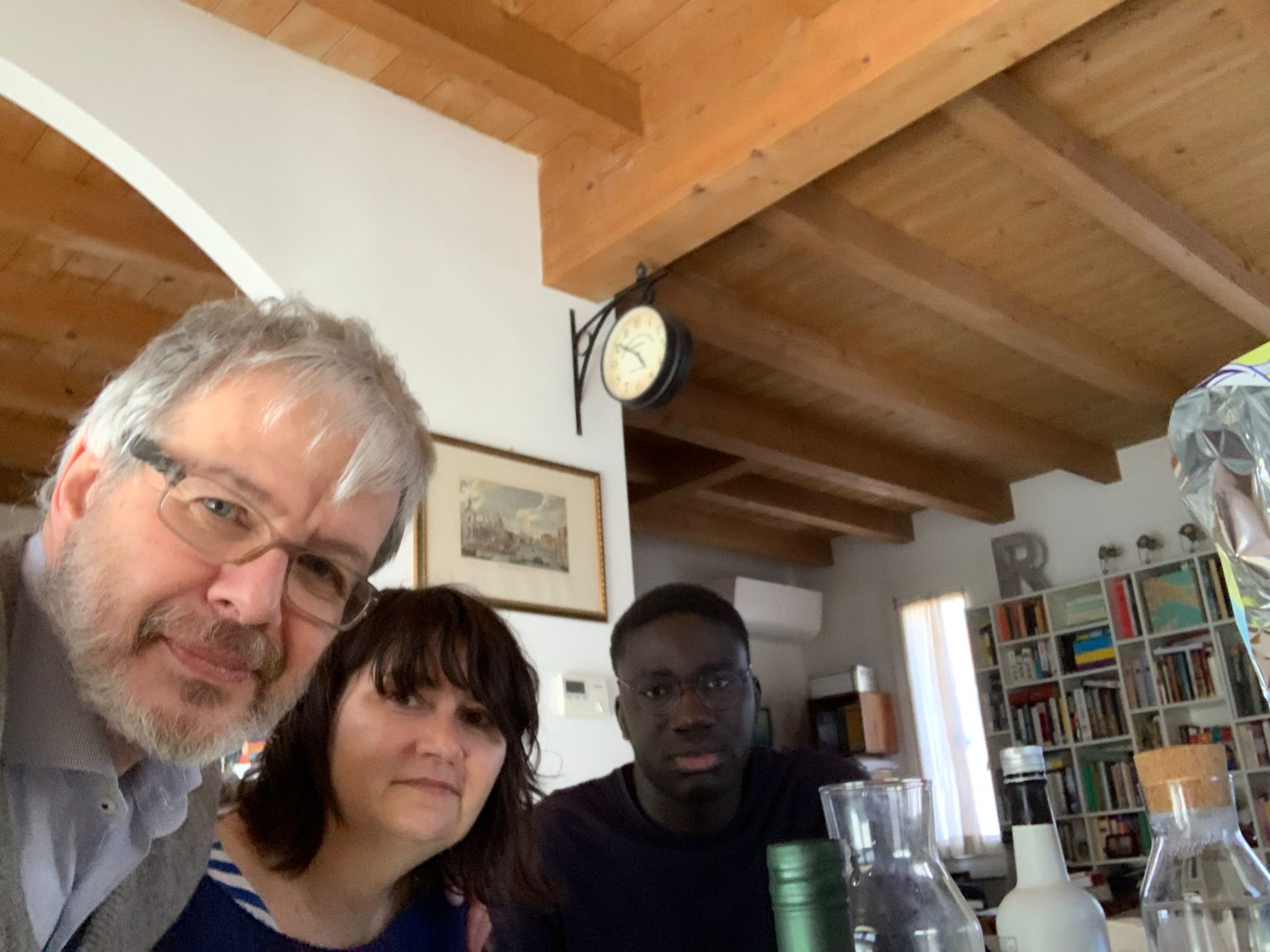Almamy con i suoi genitori affidatari in Lombardia