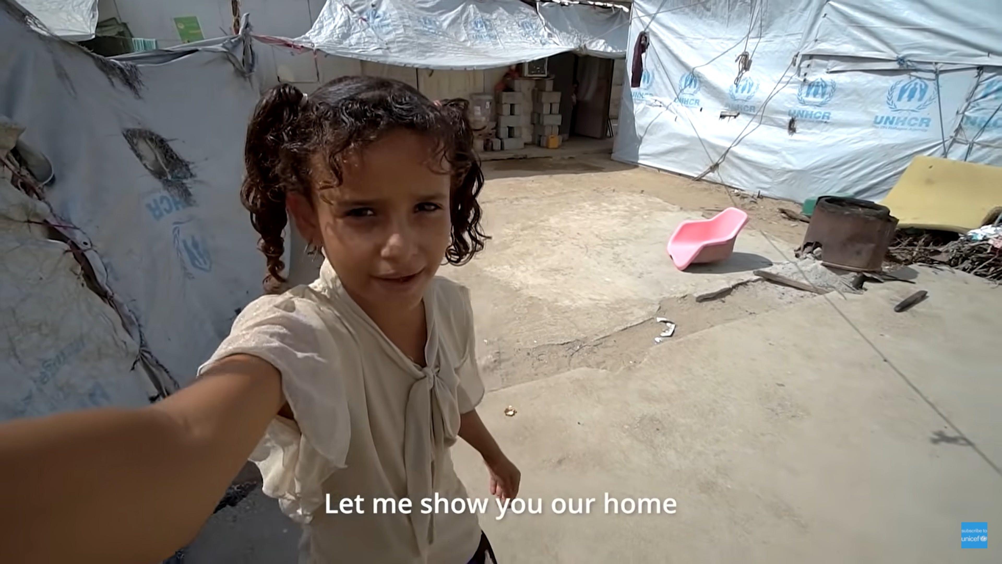 Screen video Muna - un giorno al campo di Al Sha'ab, Yemen
