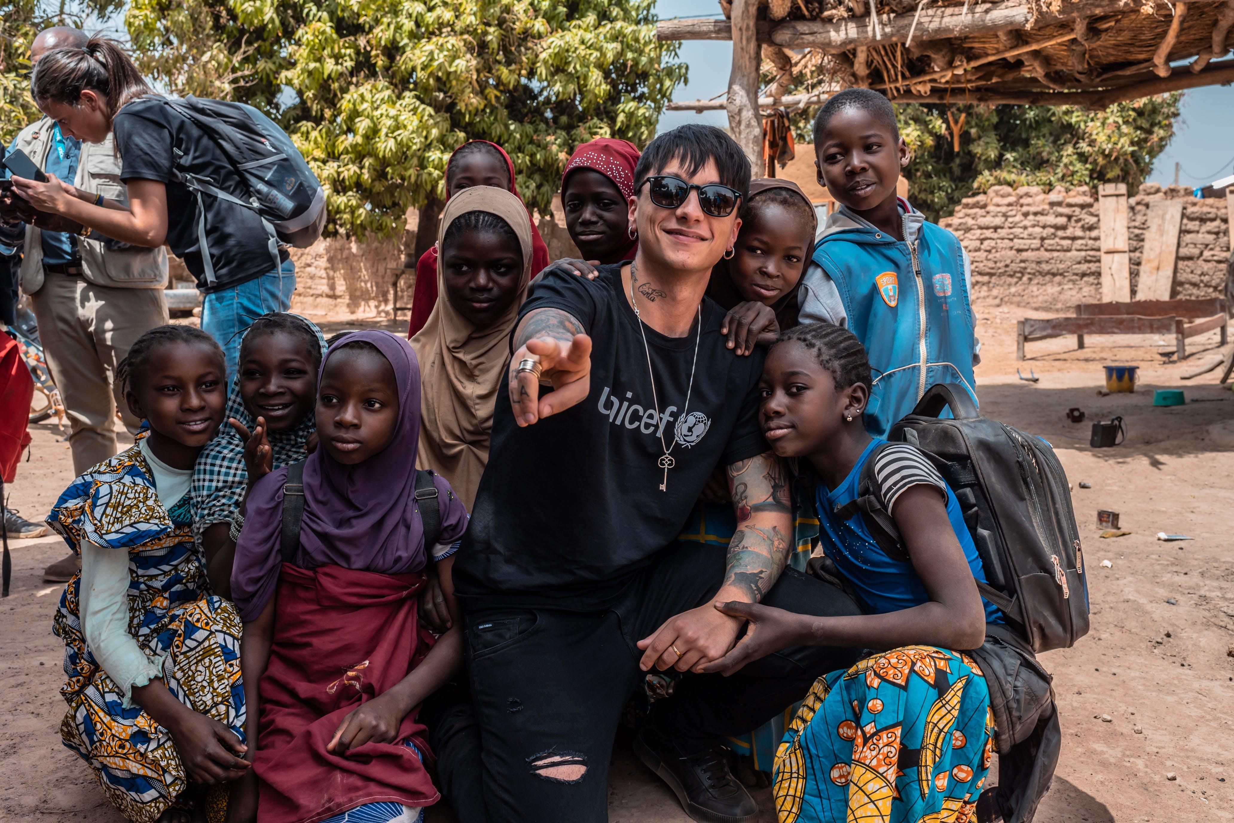 ULTIMO nel suo viaggio sul campo con UNICEF in Mali