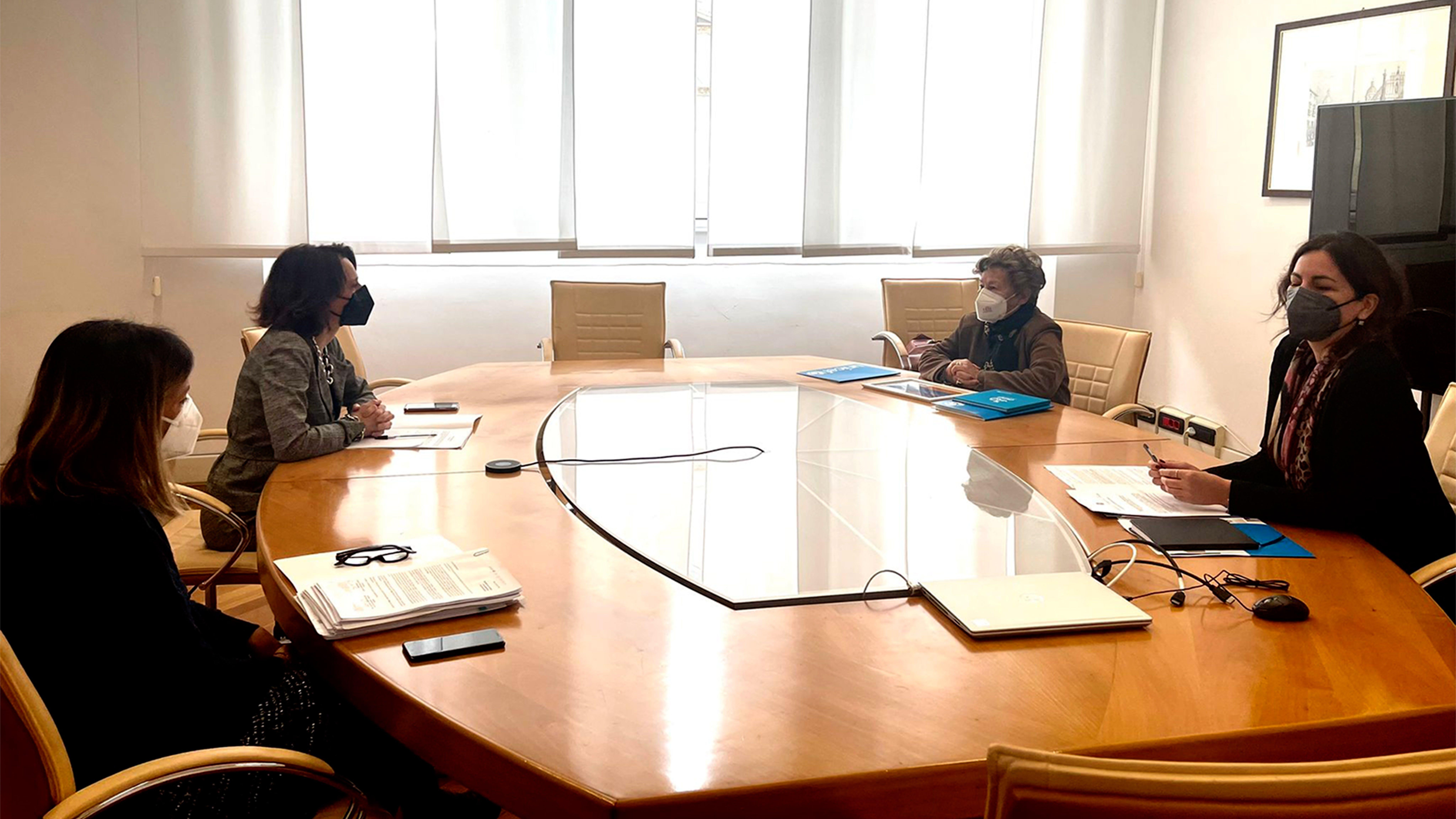 L'incontro tra la ministra delle pari opportunità Bonetti e la presidente Carmela Pace