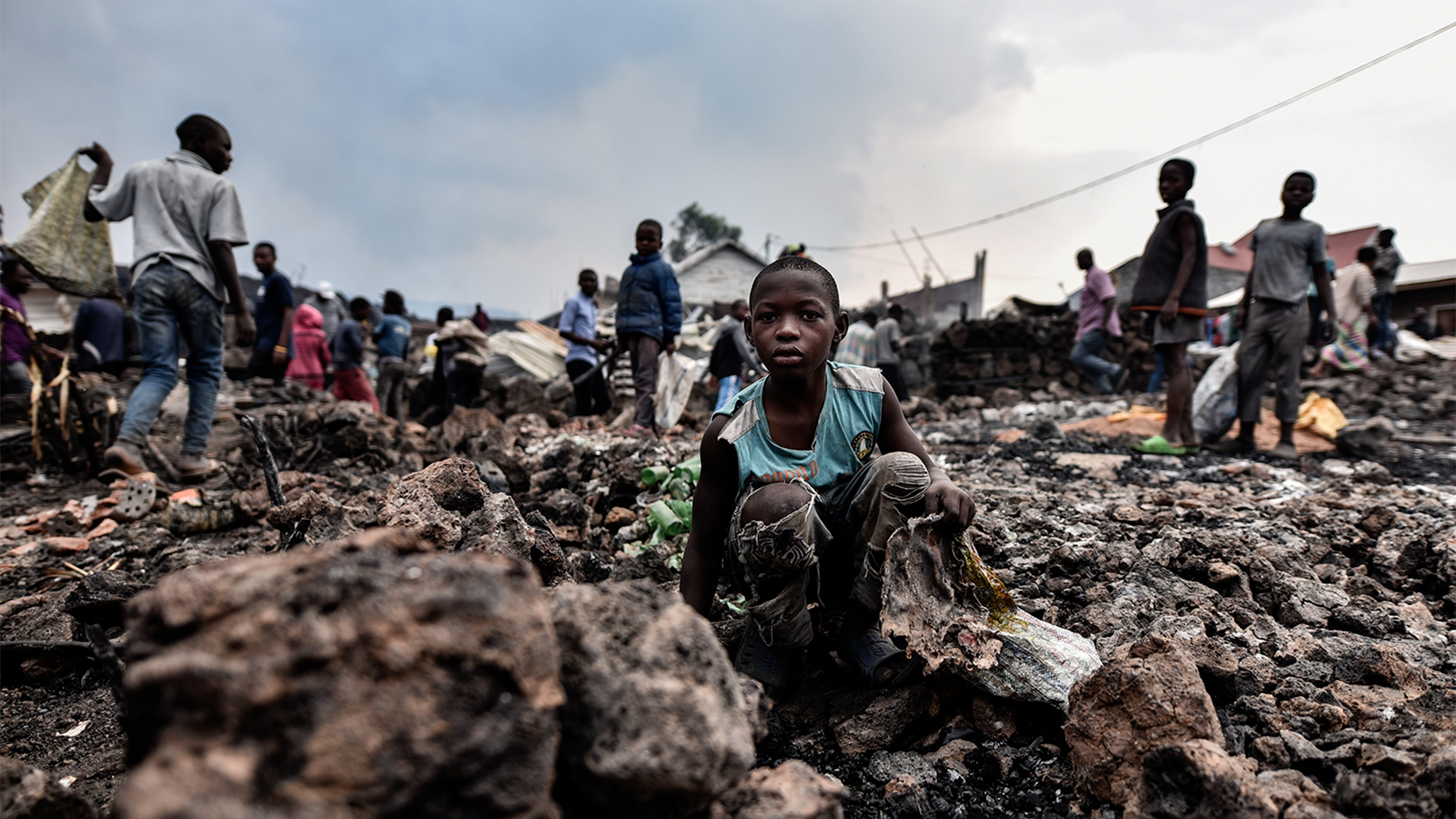 2020 Rep. Dem. Congo Congo. Uno dei tanti bambini rimasti separati dai genitori dopo l'eruzione del vulcano Nyiragongo