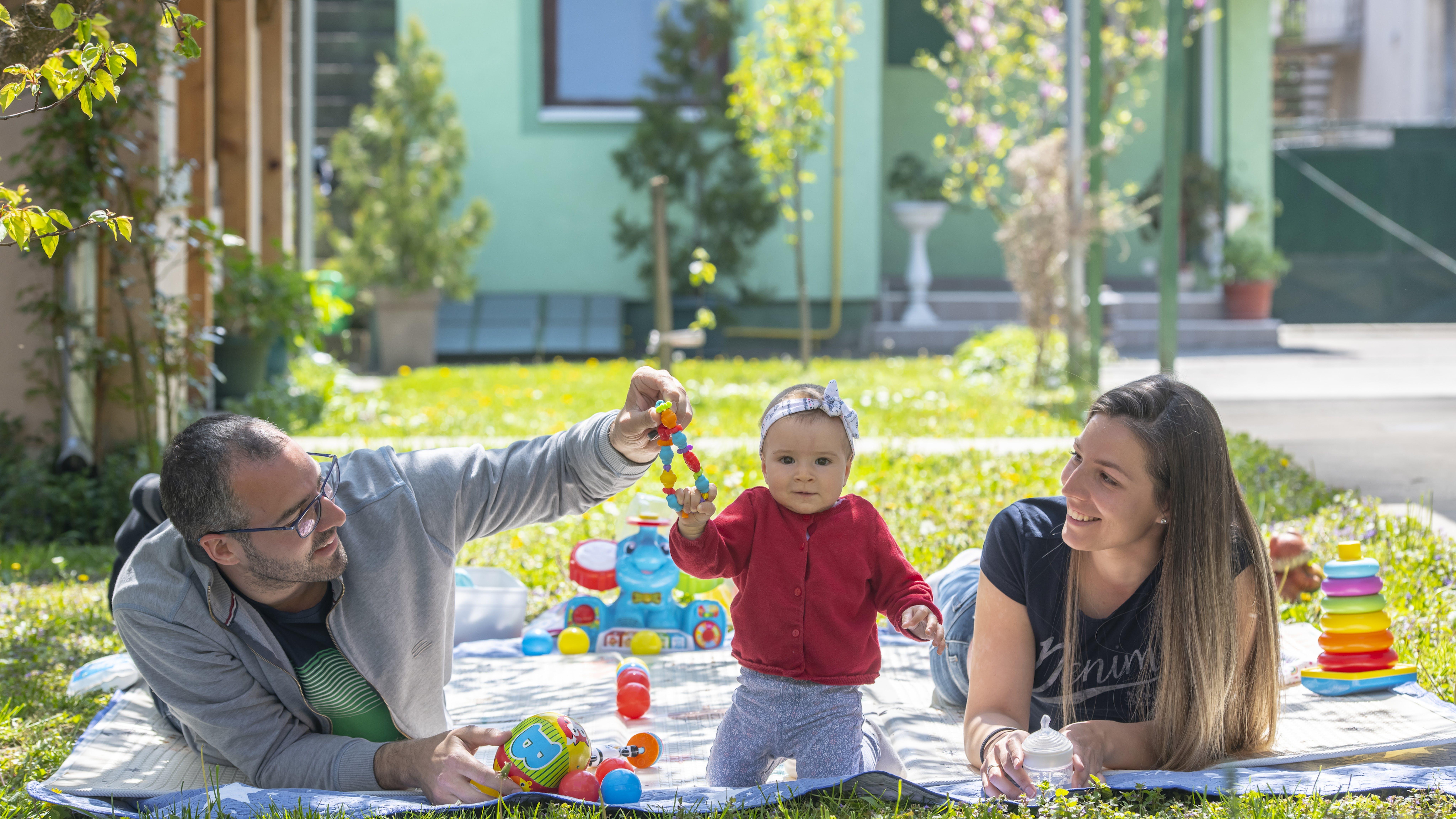 Serbia I coniugi Govorcin a Novi Sad partecipano al programma di sviluppo della prima infanzia Prendersi cura dei caregiver