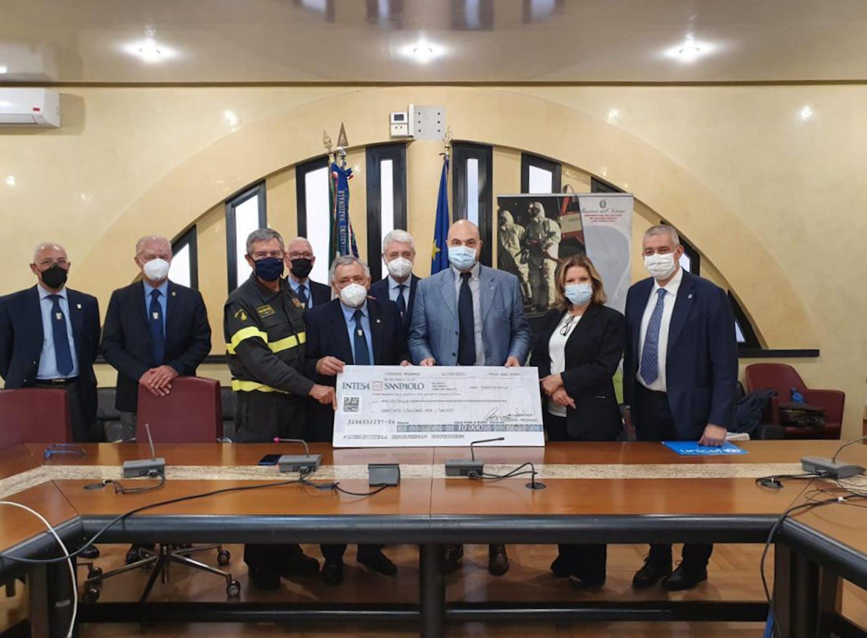 L'Associazione Nazionale Vigili del Fuoco del Corpo Nazionale dona 10 mila Euro all'UNICEF