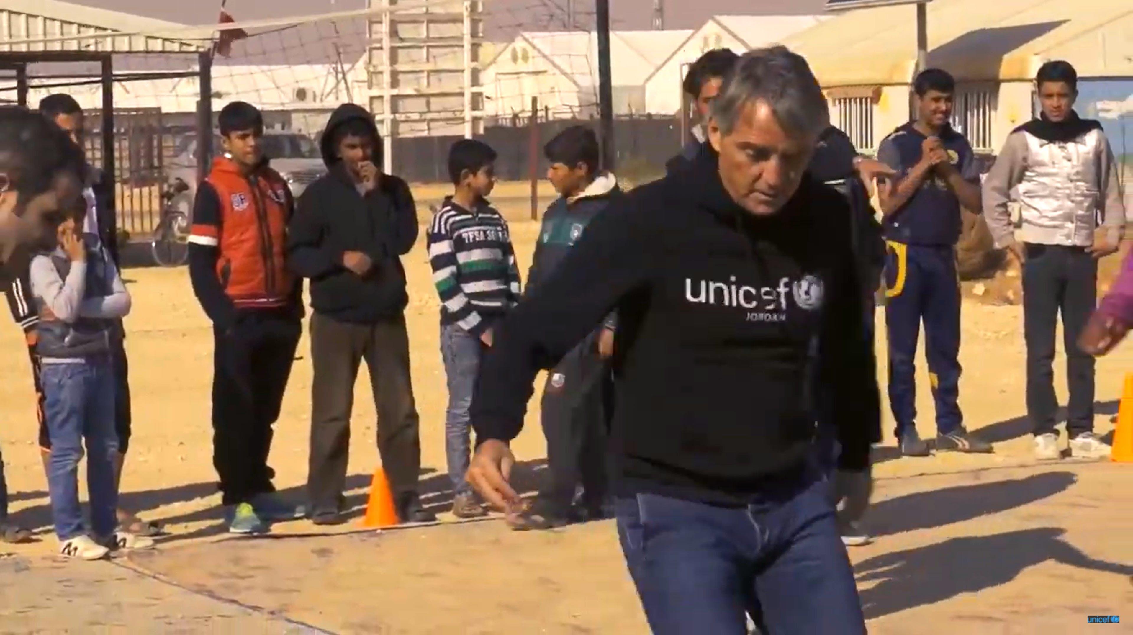 Macini, un calcio alla guerra. Video della missione in Giordania