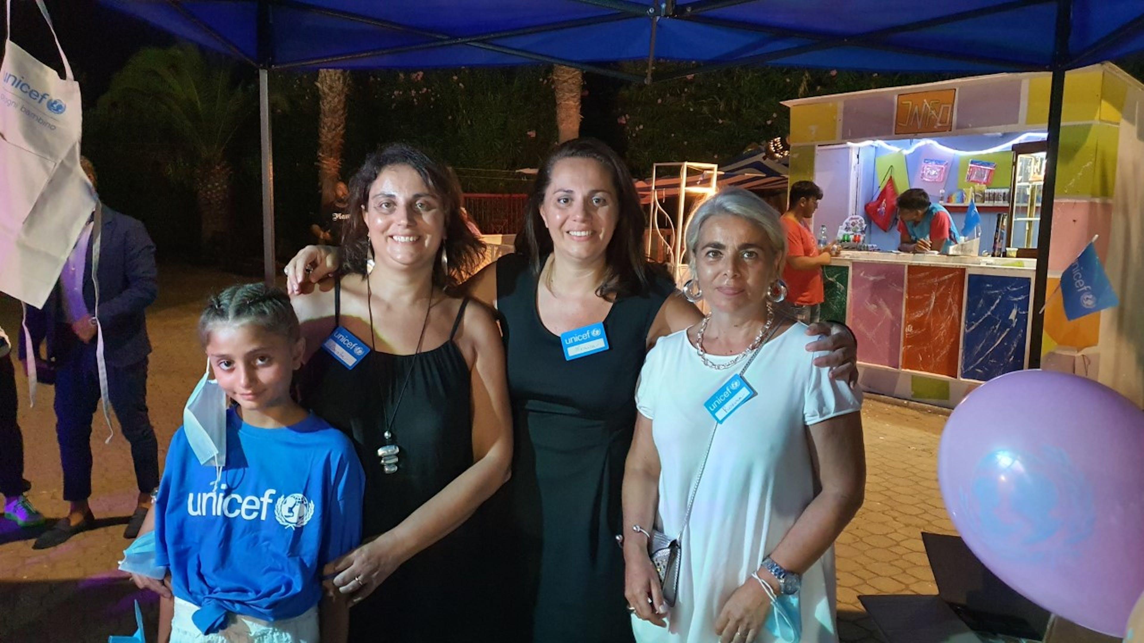 La presidente del Comitato Prov.le UNICEF di Cosenza con le volontarie a Belvedere