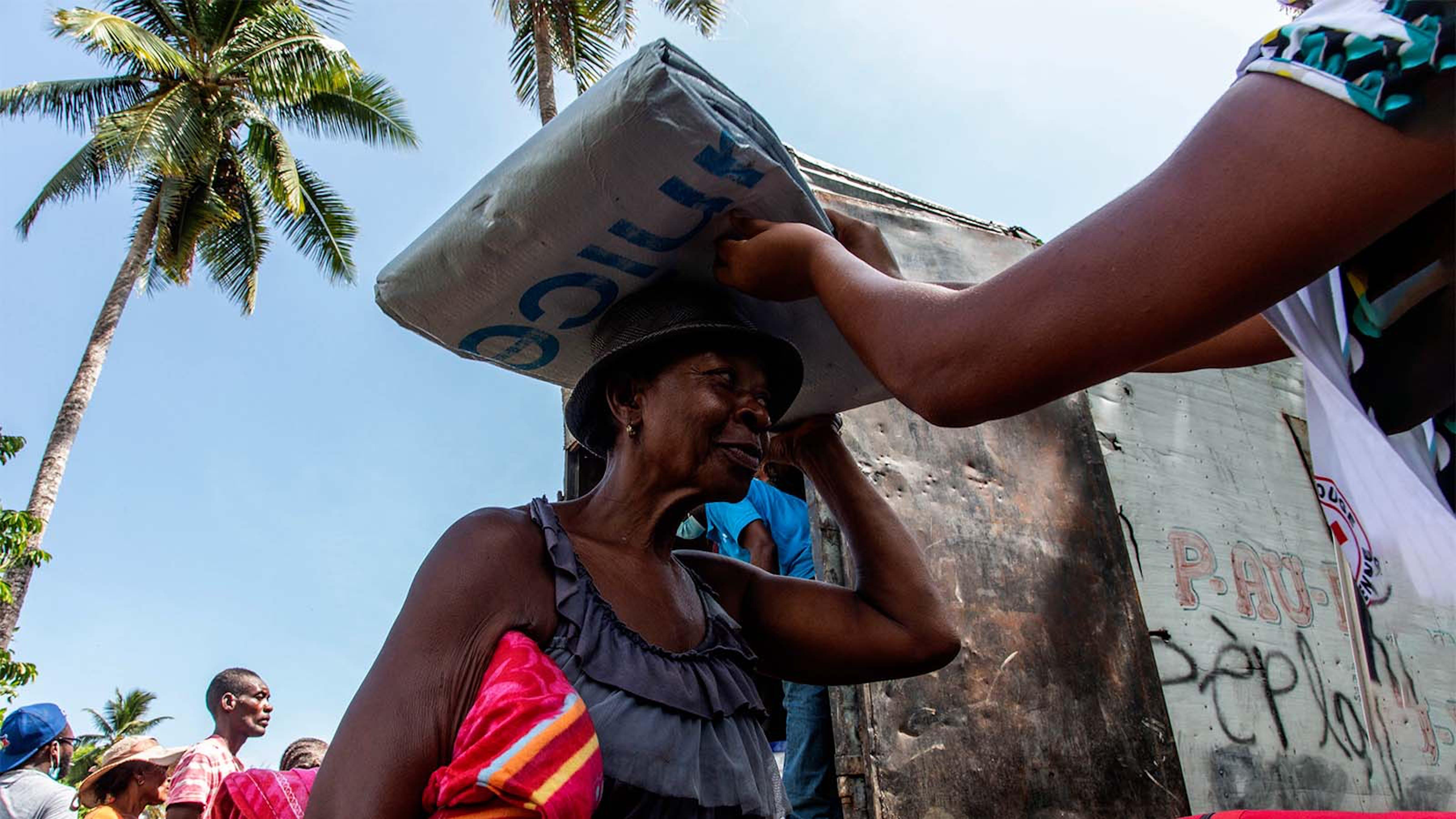 Haiti, distribuzione di aiuti umanitari alle persone coinvolte dal terremoto