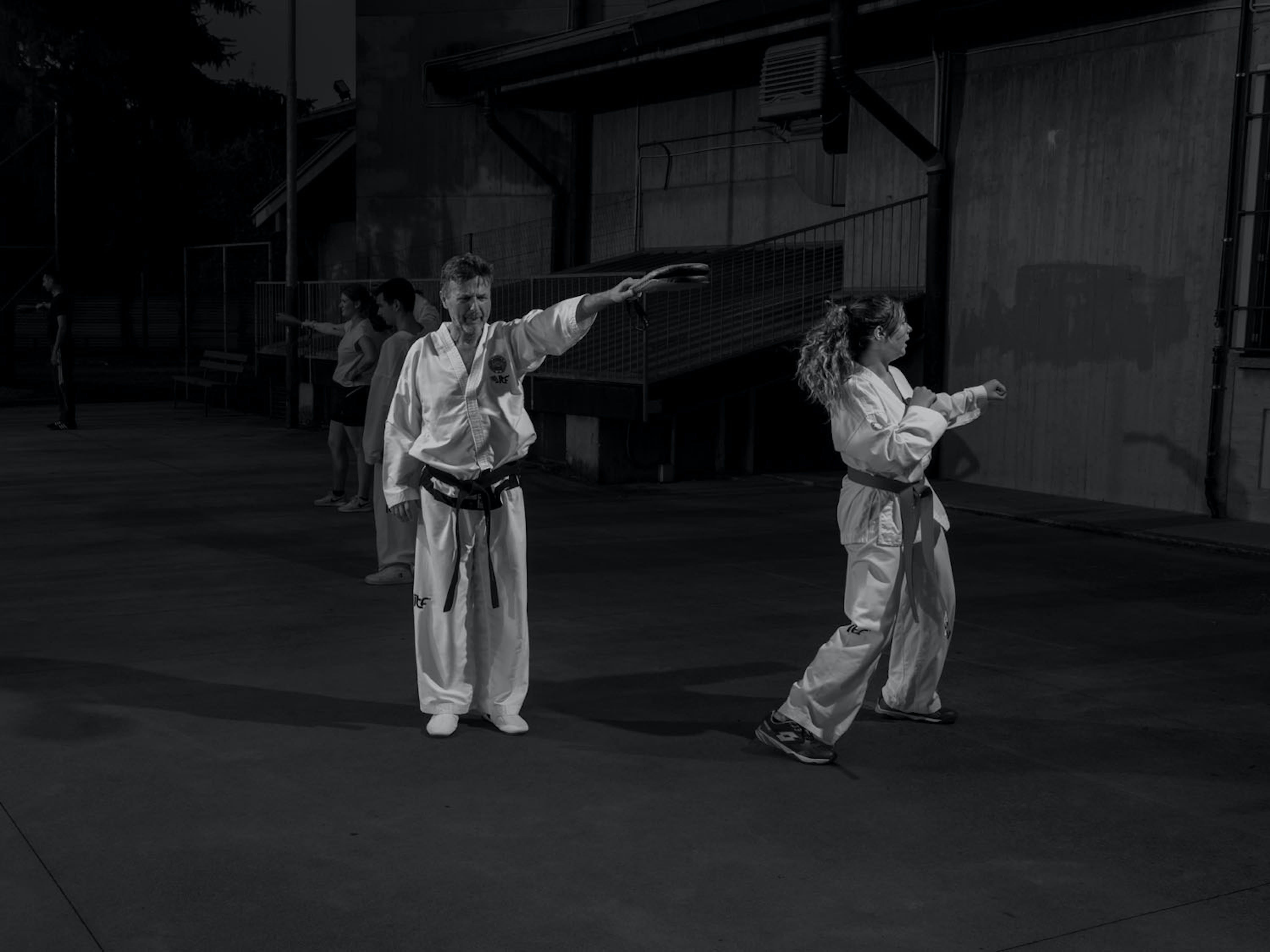 Anna, ragazza della lombardia, pratica taekwondo nel suo paese. Gli allenamenti però sono stati sospesi per oltre un anno