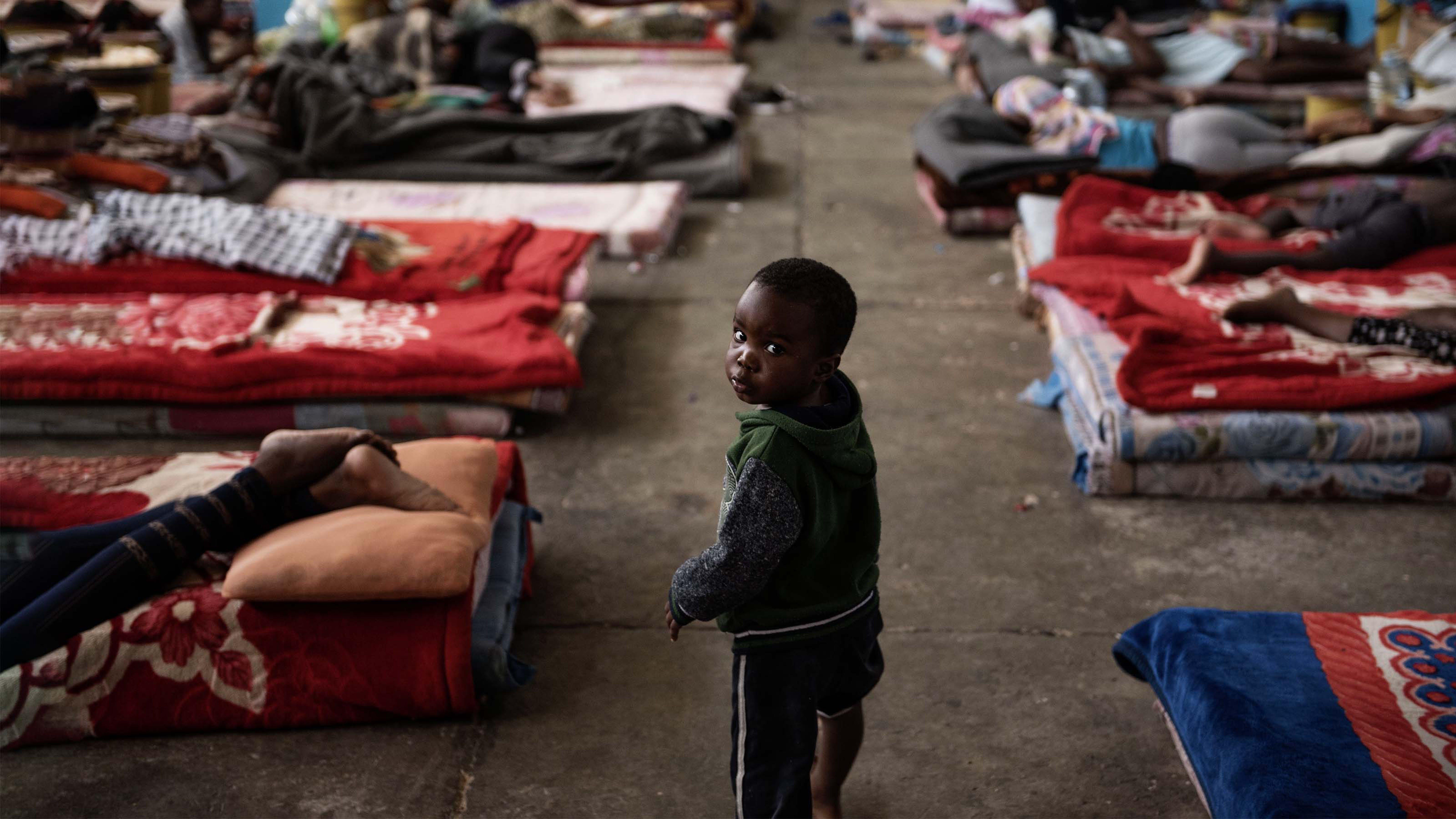 Libia, un bambino in un centro di detenzione