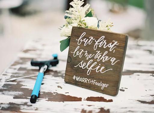 Wedding selfie sign