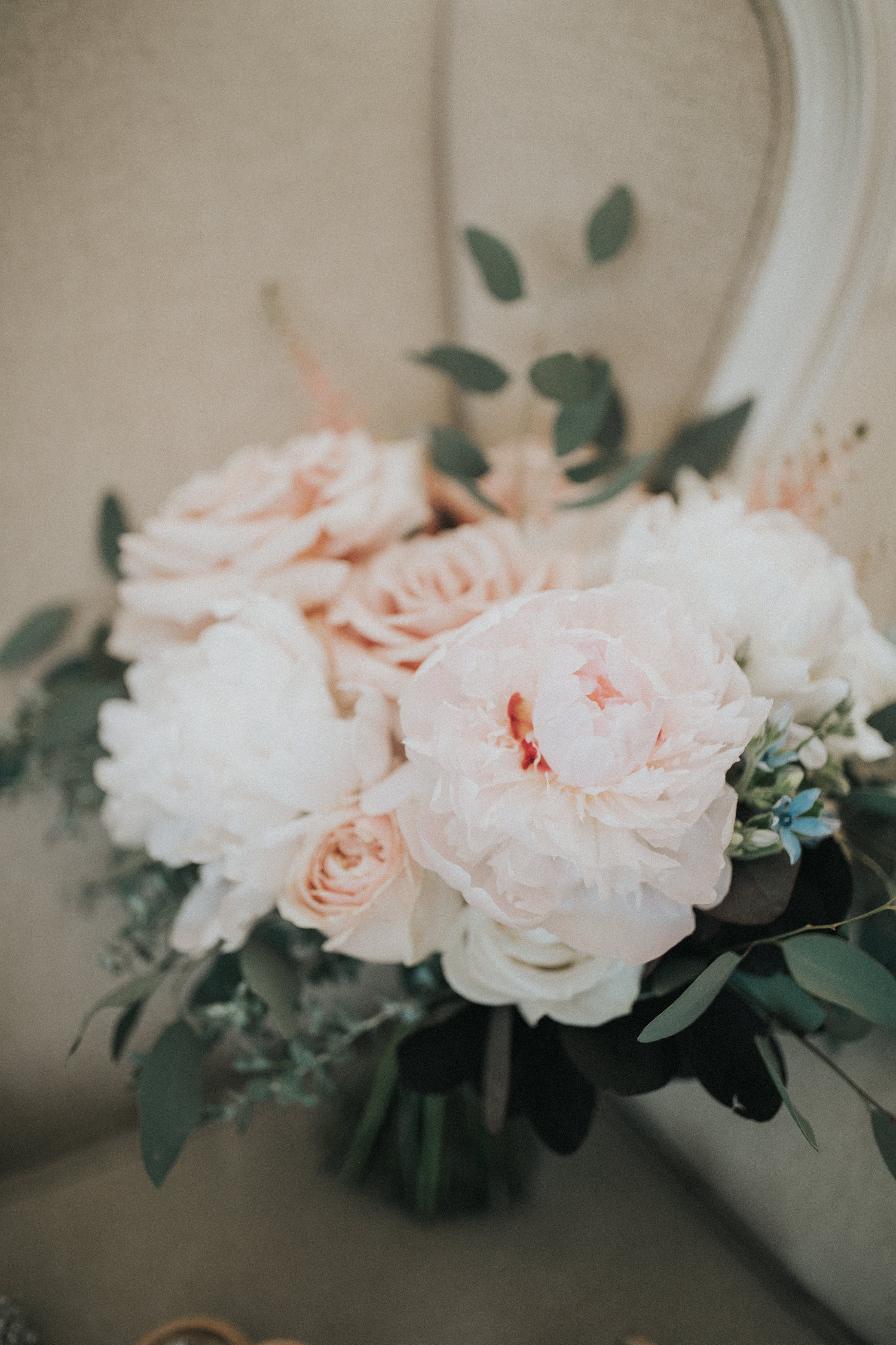 Soft bouquet with pinks and whites