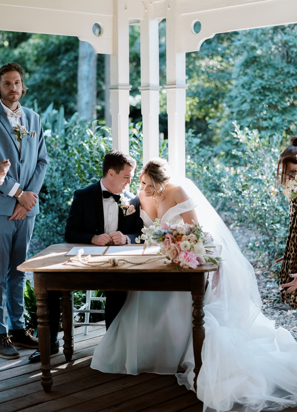 Bride and groom signing table