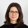 portrait of Linda Schuster
