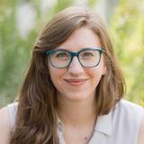 Headshot of Rebecca Evanhoe