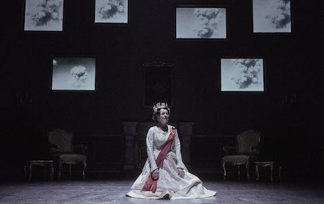 The Estates Theatre - NT- The Audience, photo: Martin Špelda