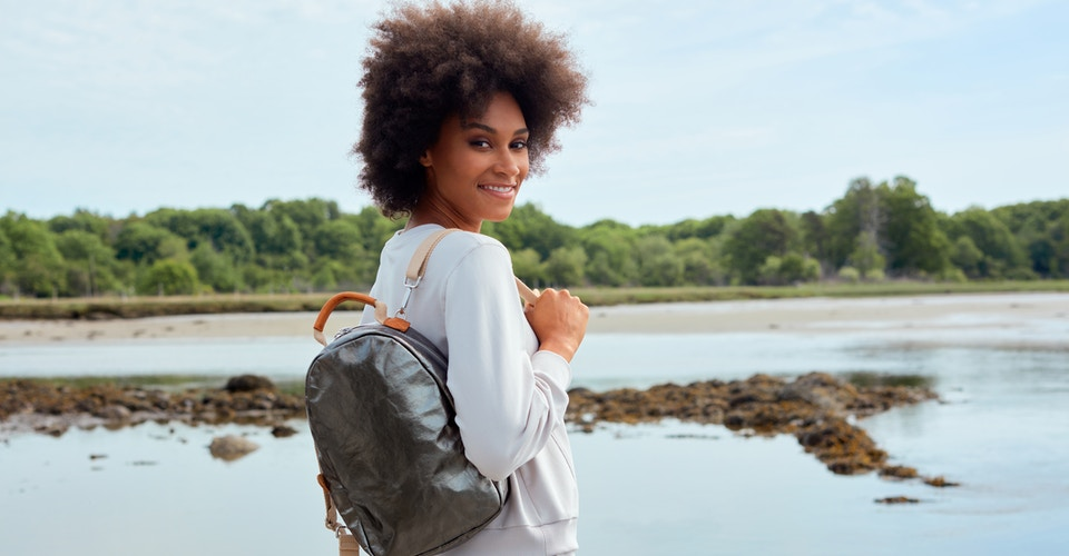UASHMAMA NOW MAKES SHOULDER STRAPS FROM RECYCLED T-SHIRTS FOR MEMMINO BACKPACKS