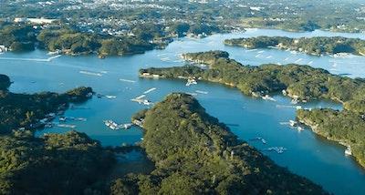 Tags: outdoors, land, nature, water, ocean, sea, shoreline, coast