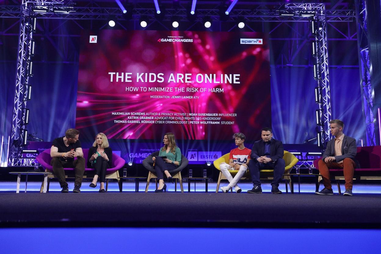Jenny Laimer (ATV), Max Schrems (Author and privacy activist), Thomas Gabriel Rüdiger (Cybercriminologist), Katrin Grabner (Advocat for child rights SOS Kinderdorf), Noah Gusenbauer (Influencer), Peter Wolfframm (Student)