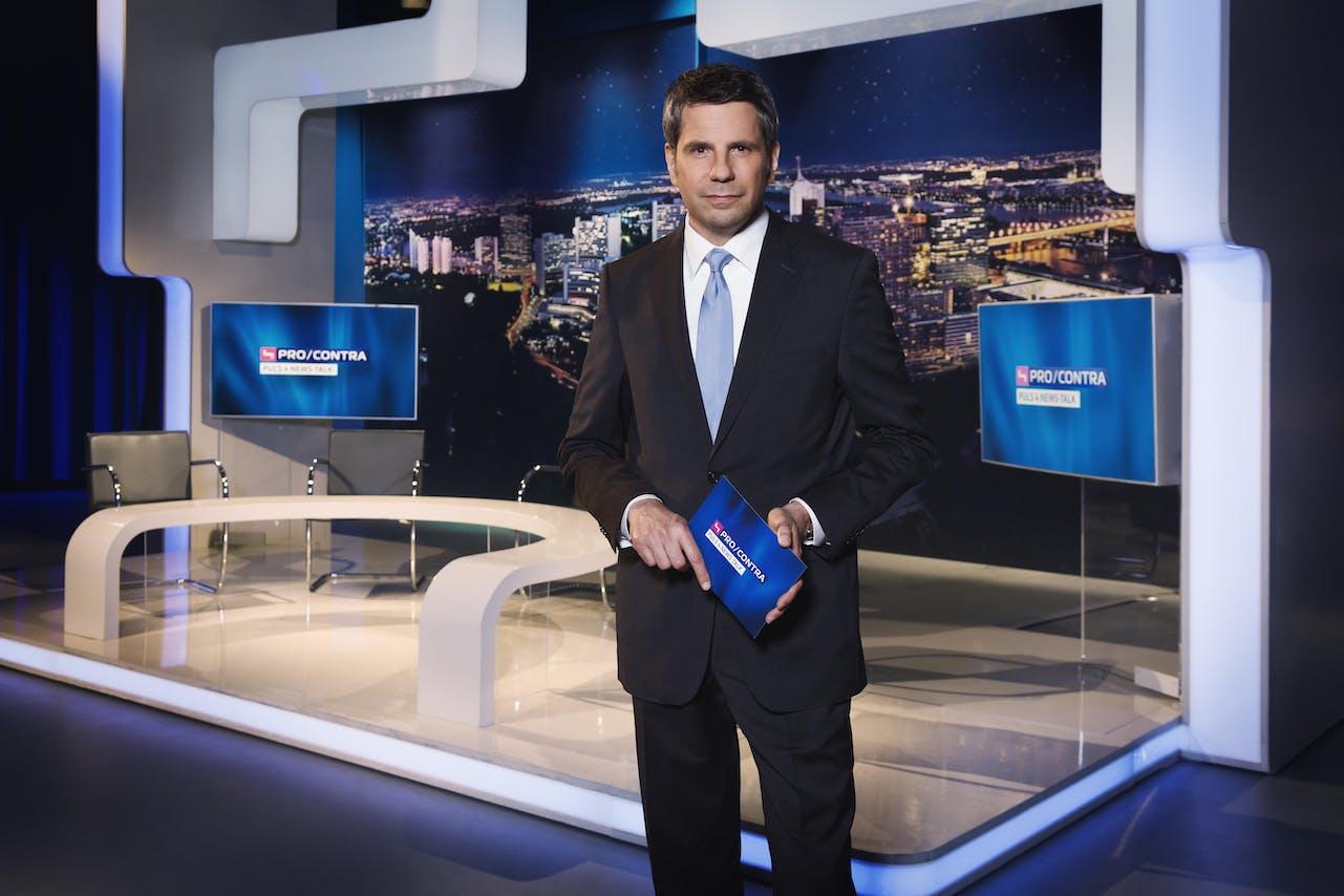 (c) Manuel Tauber-Romieri